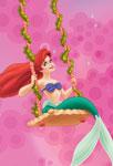 Ariel faisant de la balançoire