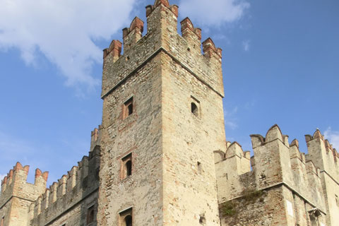 Le château et les douves