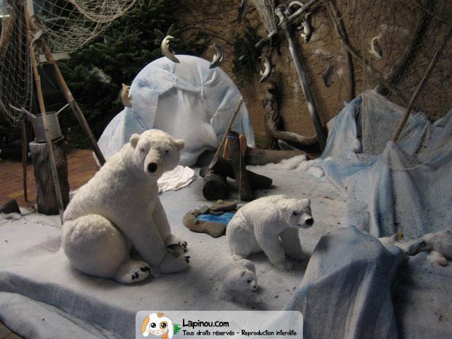 D cor avec ours et pingouins vitrines et d corations de for Decoration porte pingouin